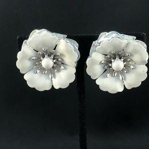 Vintage Sarah Coventry white flower clip earrings